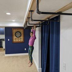 Home Gym Basement, Gym Room At Home, Basement Ideas, Indoor Monkey Bars, Bunk Bed Ladder, Kids Gym, Crossfit Gym, Small Basements, Jungle Gym