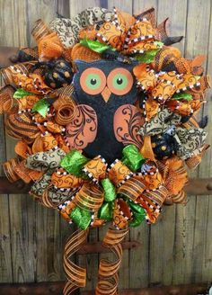 Halloween Owl Mesh Wreath - Next year! I'll be on the lookout for the perfect owl. These wreaths are definitely my new obsession. Owl Wreaths, Deco Mesh Wreaths, Holiday Wreaths, Holiday Crafts, Yarn Wreaths, Winter Wreaths, Floral Wreaths, Spring Wreaths, Summer Wreath