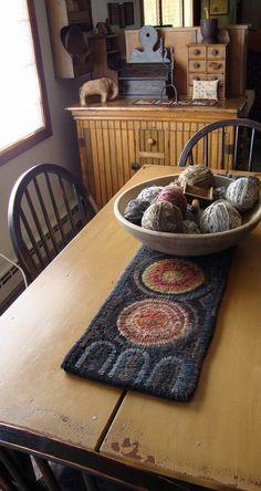 HomeSpunPrims: March 2010 a table rug Primitive Homes, Primitive Antiques, Primitive Crafts, Country Primitive, Primitive Kitchen Decor, Primitive Survival, Primitive Snowmen, Primitive Christmas, Country Christmas