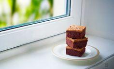 http://english.veganosbrasil.com/2015/01/16/chocolate-cake-caramel-icing/