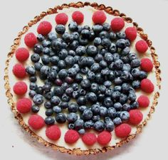 Vanilla Coconut Tart with Summer Berries! Vegan/ Gluten-Free and perfect for 4th of July via Mangia!