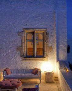 Relaxing outdoor in Patmos Island, Greek style! Greek House, House By The Sea, Greece Islands, Cottage Homes, Beautiful Islands, Tropical, Outdoor Living, House Styles, Windows