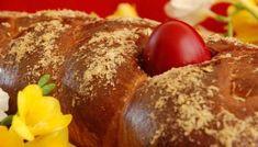 Το τσουρέκι της μαμάς μου - το πιο τρυφερό ♥ | TasteFULL.gr Greek Desserts, Greek Recipes, Fun Desserts, Greek Easter Bread, Greek Cooking, Sweets, Eat, Breakfast, Food