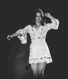 Lana Del Rey in Brazil (1st show) #LDR #Paradise_Tour 2013