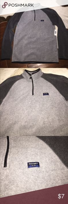 NWT: Old Navy Men's Fleece Pull Over - Size Medium NWT: Old Navy Men's Fleece Pull Over - Size Medium. All items have been pre owned, lightly used, NWOT or NWT. They come from a smoke free home. I can not promise items are in perfect condition but they have been cared for extremely well. If there are issues please read the description and look at the images posted. If you have questions please ask. Thank you! Old Navy Sweaters Zip Up