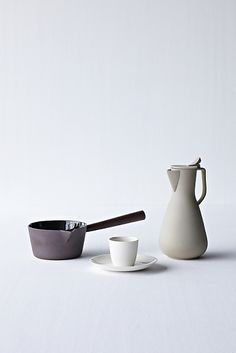 Ceramic artist and designer Kirstie van Noort is passionate about doing material based research, and discovering new methods