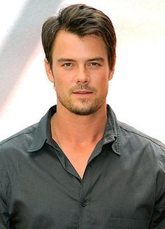 Classify Handsome Josh Duhamel and in which countries he could fit? Josh Duhamel, Dakota Do Norte, Raining Men, Attractive People, Good Looking Men, Hollywood Stars, Gorgeous Men, Beautiful People, Actors & Actresses