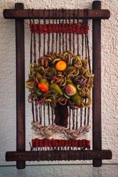 Etnia y color Weaving Textiles, Weaving Art, Weaving Patterns, Tapestry Weaving, Loom Weaving, Hand Weaving, Diy And Crafts, Arts And Crafts, Loom Craft