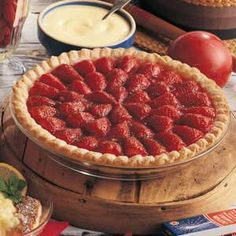 Need strawberry rhubarb recipes? Get delicious strawberry rhubarb recipes including strawberry rhubarb pie, strawberry rhubarb jam, strawberry rhubarb crunch and more strawberry rhubarb recipes. Strawberry Rhubarb Pie, Strawberry Jello, Strawberry Recipes, Rhubarb Recipes, Pie Recipes, Dessert Recipes, Desserts, Recipe Sites, Easter Recipes