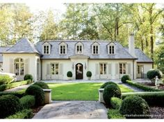 White Exterior Love + Lovely Greenery + The Luxury Of Timeless Style From Atlanta Homes & Lifestyles Style At Home, French Style Homes, Drawing House Plans, House Plans Online, Br House, Atlanta Homes, Atlanta Buckhead, French Country House, French House Plans