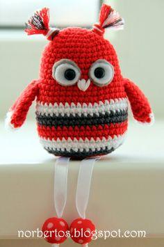 Crochet cute red owl FREE PATTERN! http://norbertos.blogspot.com/2013/11/crochet-birds-free-pattern.html