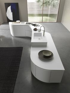 Lacquered kitchen with island with integrated handles ARTIKA | Kitchen with island by Pedini
