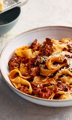 Nutritious Snack Tips For Equally Young Ones And Adults Using Chunks Of Beef Rather Than Mince Will Make A Hearty Ragu That The Family Will Love. Meat Recipes, Dinner Recipes, Cooking Recipes, Healthy Recipes, Casserole Recipes, Pasta Recipes, Slow Cooked Beef, Whole Wheat Pasta, Snacks