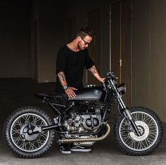 """rankxerox: """"dropmotoLove how the seat is floating ☁️from everything else on this murdered out BMW R80 build from @arjanvandenboom. Great shot Jackson Kunis! """" fresh*"""