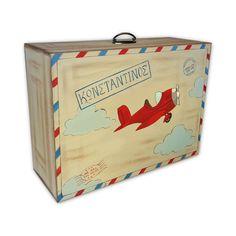 Χειροποίητη ξύλινη βαλίτσα ζωγραφισμένη στο χέρι σε φυσικές αποχρώσεις του ξύλου και κόκκινο με θέμα Αεροπλάνο. Αυτό το κουτί αποτελεί την καλύτερη επιλογή για μια βάπτιση με vintage διάθεση και θα παραμείνει ένα στολίδι στη διακόσμηση του δωματίου του παιδιού αργότερα.Η βαλίτσα ως κουτί αποθήκευσης είναι μια έξυπνη επιλογή καθώς συνδυάζει δύο χρήσεις: αποθηκευτικός χώρος για ρούχα και παιχνίδια και κανονική βαλιτσούλα για την μεταφορά τους.Διαστάσεις: 50x19x37  #vaptisi #κουτίβάπτισης… Magazine Rack, Storage, Home Decor, Purse Storage, Decoration Home, Room Decor, Larger, Home Interior Design, Home Decoration