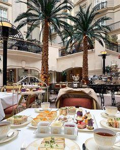 The Landmark London ( Winter Garden Restaurant, London Instagram, London Landmarks, Afternoon Tea, Table Settings, Photo And Video, Videos, Photos, Pictures