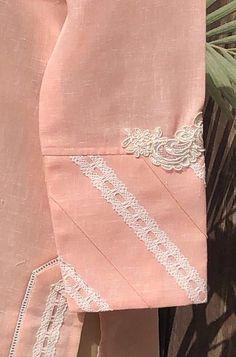 Kurti Sleeves Design, Sleeves Designs For Dresses, Neck Designs For Suits, Kurta Neck Design, Dress Neck Designs, Sleeve Designs, Fancy Dress Design, Stylish Dress Designs, Stylish Dresses For Girls