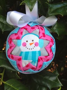 Look at these adorable quilted ornaments that Jennifer Watkins is going to teach us to make today! They look like they took hours a. Diy Quilted Christmas Ornaments, Folded Fabric Ornaments, Christmas Crafts For Gifts, Christmas Sewing, Diy Christmas Ornaments, Handmade Christmas, Christmas Decorations, Christmas Balls, Christmas Things