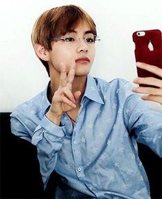 Awwww ficou tão lindo de óculos Amo meu bb de óculos ♥♥