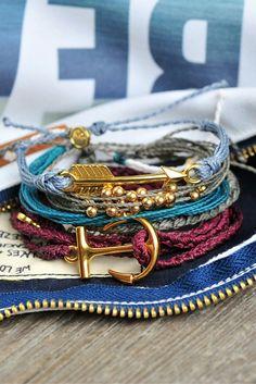 Pura Vida // handcraft bracelets from Costa Rica