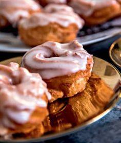 Většina z nás si čas od času dopřeje návštěvu cukrárny na dobrý zákusek. Beignets, Tiramisu, Pie, Baking, Cheesecake Brownies, Food, Lemon, Torte, Cake