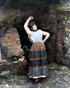 By Rafael Garzon, Century. Gypsy Women, Vintage Gypsy, Twelfth Night, Europe Fashion, 19th Century, Beautiful People, Art Photography, Spanish, Dancer