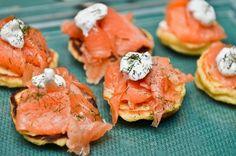 Tartine de salmón ahumado, limón, mayonesa de eneldo y palta con pan de centeno.// http://elgourmeturbano.blogspot.com.ar/2013/11/tartine-de-salmon-ahumado-limon.html#more