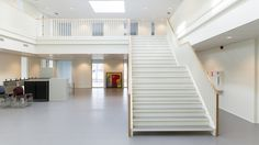 Central hall school MFA Zichtwei Barendrecht Central Hall, Stairs, Architecture, School, Home Decor, Arquitetura, Stairway, Decoration Home, Staircases