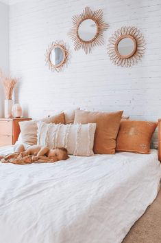 Pure Linen Sheets & Bedding - I Love Linen has the most effortless styling of our White French Linen Bedding Cute Room Decor, Wall Decor, Aesthetic Room Decor, Boho Room, Home Decor Bedroom, Bedroom Ideas, Bedroom Inspo, Bedroom Designs, Guy Bedroom