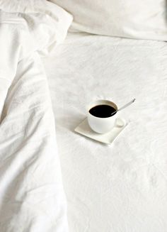 I love coffee in bed first thing in the morning :) . only happens on sundays. Coffee In Bed, I Love Coffee, Black Coffee, Coffee Break, Morning Coffee, Coffee Shop, Good Morning, Coffee Cups, Sunday Morning
