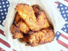 Das ist mein KFC Copycat Rezept. Meine Family war begeistert. Im Ofen auf dem Zauberstein oder dem Backblechgebacken, nicht frittiert, so spart man eine Menge Kalorien ein ;) Knackig und per…