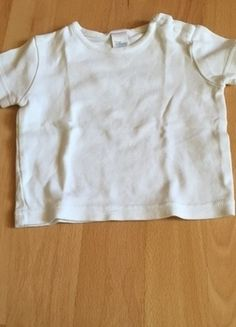 Kaufe meinen Artikel bei #Mamikreisel http://www.mamikreisel.de/kleidung-fur-jungs/kurzarmelige-t-shirts/28900680-t-shirt-in-der-grosse-68