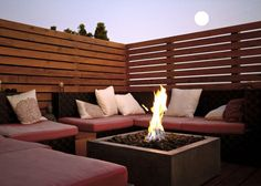Hottest fire pit ideas brick outdoor living that won't break the bank. Find beautiful outdoor diy fire pit ideas and fireplace designs that let you get as simple or as fancy as your time and budget allow for building or improve a your backyard fire pit. Outdoor Screens, Outdoor Privacy, Backyard Privacy, Fire Pit Backyard, Pergola Patio, Outdoor Areas, Backyard Patio, Backyard Landscaping, Privacy Fences