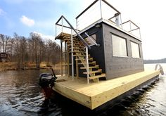 Our largest floating sauna Frank XL read more about it here Floating Picnic Table, Floating Dock, Floating House, Pontoon Houseboat, Floating Architecture, Water House, Boat House, Outdoor Sauna, Sauna Design