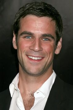Eddie Cahill alias Don Flack (CSI: NY)- those eyes!