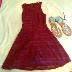 Beautiful burgundy dress A burgundy dress. Mesh at the waist Dresses Midi