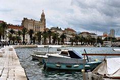 Even on a #cloudy day, #Split, #Croatia is stunning⠀ Photo: Martin Klimenta⠀ #BalkansTravelwithMIR #balkanstravel #balkanstourism #ilovebalkans #beautifulbalkans #croatiatourism #visitcroatia #travel #tourism #wanderlust #worlderlust #beautifuldestinations #wanderlustwednesday #instapassport #travelgram #seetheworld #architecture #seaside #harbor #boats