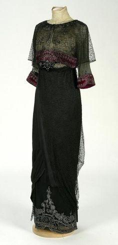 Dress    1910-1912   To See more Black VIntage Dresses visit our Pinterest Board http://www.pinterest.com/stillblondeaaty/black-vintage-dresses/