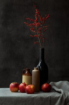 Red by Natalia Balanina / Still Life Drawing, Still Life Art, Still Life Pictures, Really Cool Photos, Photo Recreation, Kiss Art, Nature Aesthetic, Red Art, Kitchen Themes
