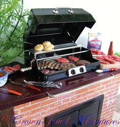 Crown Jewel Miniatures summer barbecue by IGMA Artisan Robin Brady-Boxwell