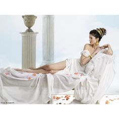 Thistla: The elves were like gods in the old days. Debut Photoshoot, Couple Pregnancy Photoshoot, Photoshoot Themes, Aphrodite Goddess, Egyptian Goddess, Grecian Goddess, Family Shoot, Gods And Goddesses, Maternity Pictures