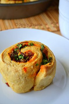 Spicy Treats: Onion Bell Peppers Pull Apart Rolls / Whole Wheat Pull Apart Rolls