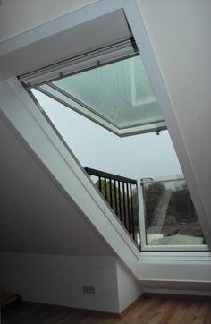 velux cabrio - Szukaj w Google Skylight Window, Roof Window, Roof Extension, Extension Ideas, Loft Conversion Bedroom, Halloween Window, Loft Room, Attic Ideas, Loft Ideas