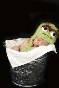 Ravelry: Crocheted Hat Inspired by Oscar the Grouch pattern by Jennifer Barrientos...i think i just died of cuteness overload.