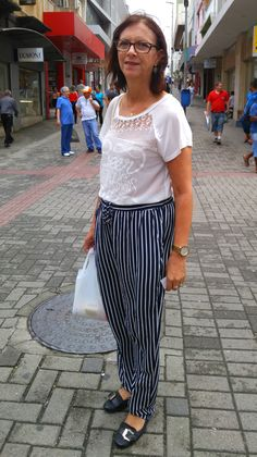 O Moda de Rua dessa semana foi mais uma vez ás ruas do Centro de Florianópolis conferir os look mais legais da mulherada. Conhecemos pessoas incríveis com histórias incríveis e é esse tipo de coisa que faz a coluna… Continue Reading →