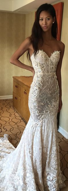 The texture on this @bertabridal gown makes it so luxurious, wouldn't it be perfect for a winter wedding?