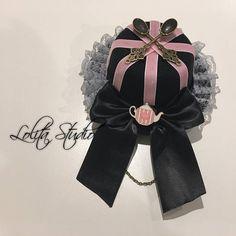Classique de Steampunk Gothique Lolita Alice au pays des merveilles amour coeur théière horloge cuillères en ruban velours rose & chaîne Bowknot lacets noir chapeau [S4]