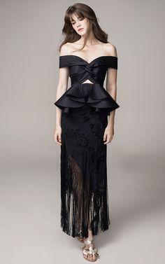 Get inspired and discover Johanna Ortiz trunkshow! Shop the latest Johanna Ortiz collection at Moda Operandi. Women's Fashion Dresses, Dress Outfits, Dress Up, Peplum Dress, Dresscode, Fashion Show, Fashion Design, Beautiful Gowns, Dress To Impress