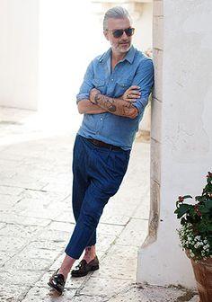 【50代・60代】白スウェット×ジーンズの休日コーデ(メンズ)   Italy Web