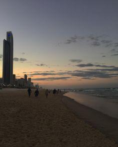 #ocean #feelfree #sunset #sand #beach #surfersparadise #surfersparadisebeach #downunder #aussie #australia #adventure #feelfree #beachwalk #queensland by do_mi_nik_ http://ift.tt/1PI0tin